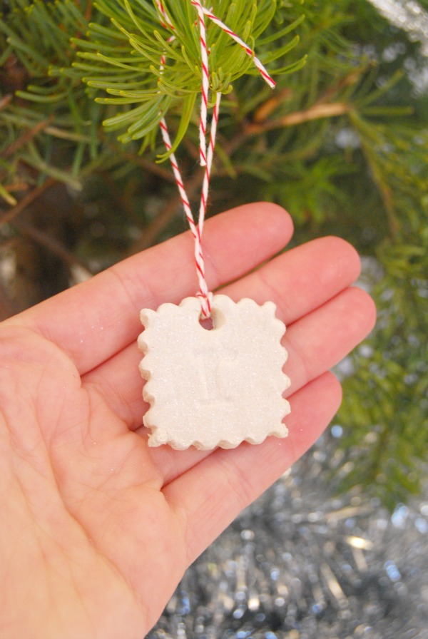 DIY, The Proper Pinwheel, Holiday DIY, Christmas Ornaments, Clay Ornaments, Air Dry Clay, Stamped Ornaments