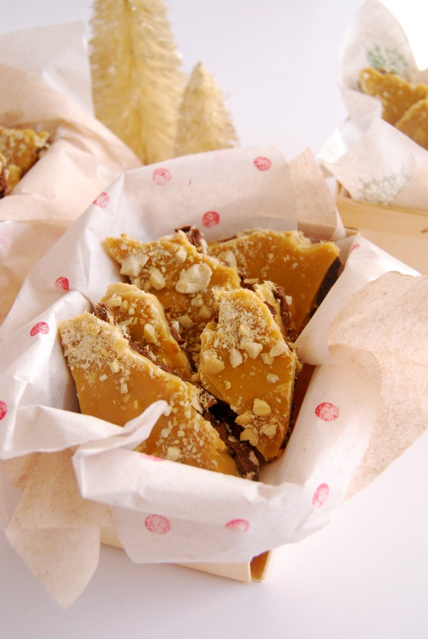 Christmas Treat, Holiday Recipe, Toffee, Chocolate, The Proper Pinwheel, Delicious toffee, easy toffee