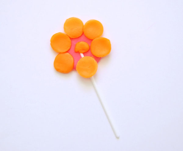 Airhead Flower Cupcake Toppers by The Proper Pinwheel
