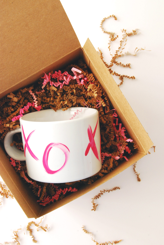 DIY Valentine's XO Mugs | The Proper Pinwheel
