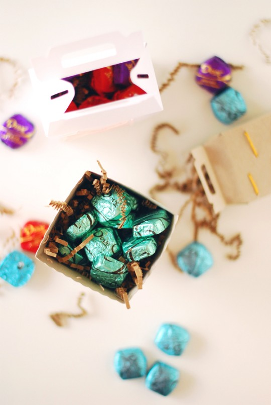 DIY Embroidered Gift Boxes with Dove Dark Chocolate #sharetheDOVE