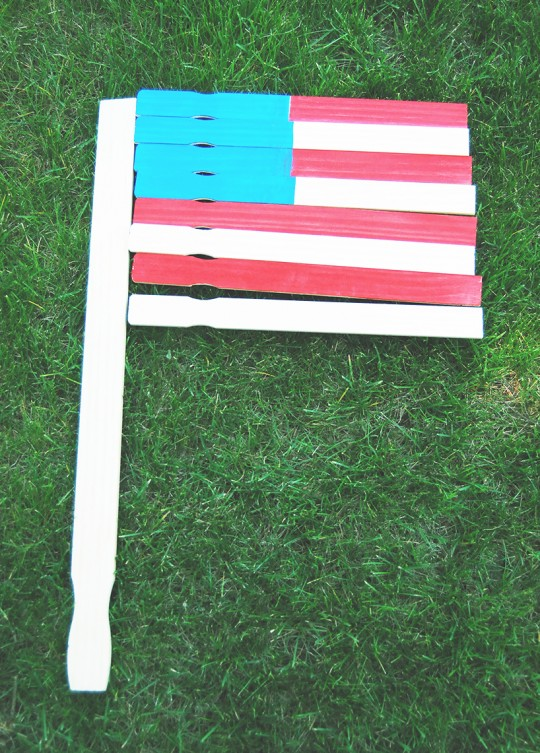 DIY 4th of July Paint Stick Garden Flag