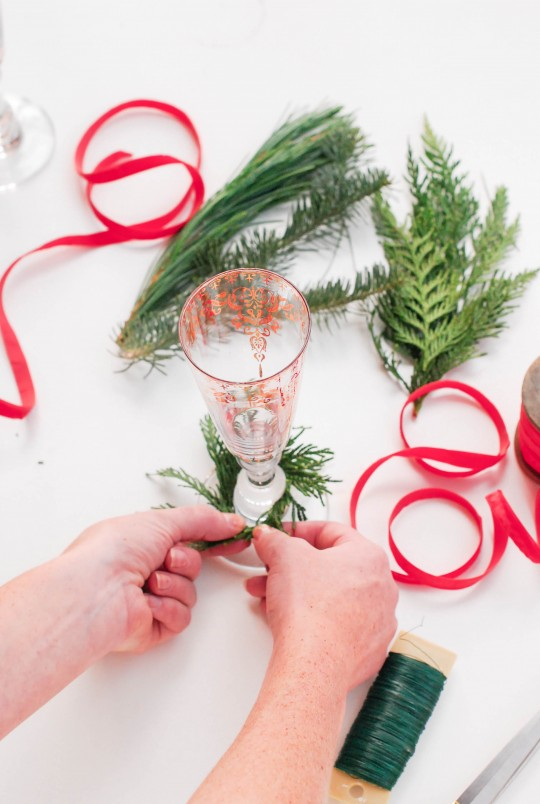 DIY  Wine Glass Holiday Wreaths