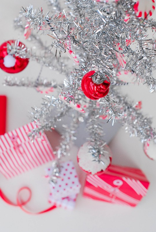 DIY \\ Peppermint Candy Christmas Ornaments