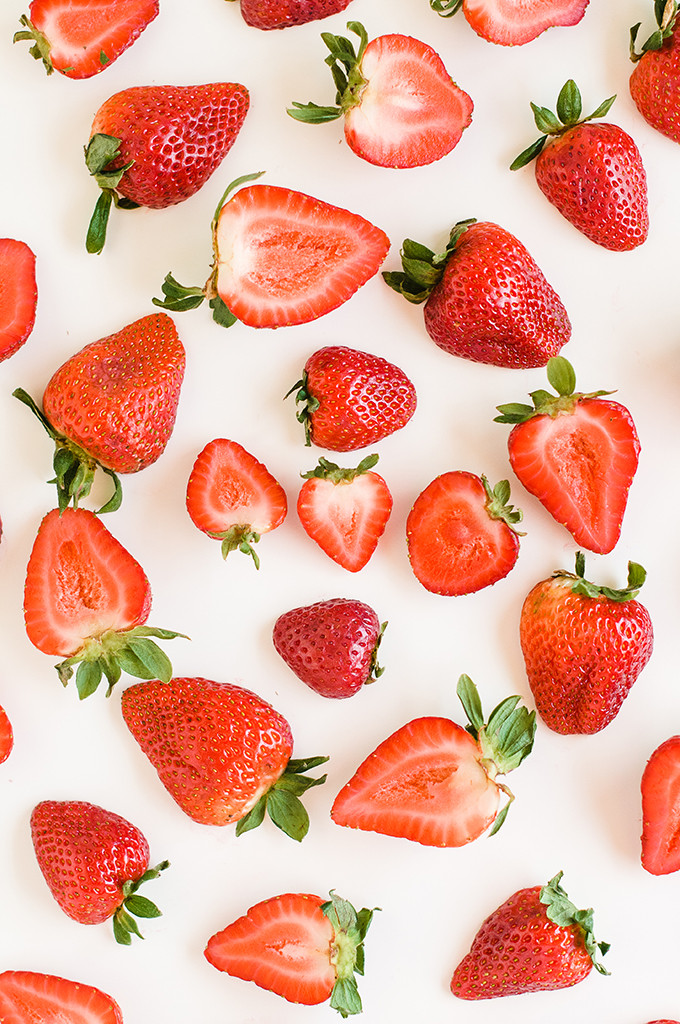Strawberry wallpaper download