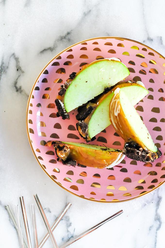 Free Harvest Printable & Caramel Apple Recipe by @theproperblog