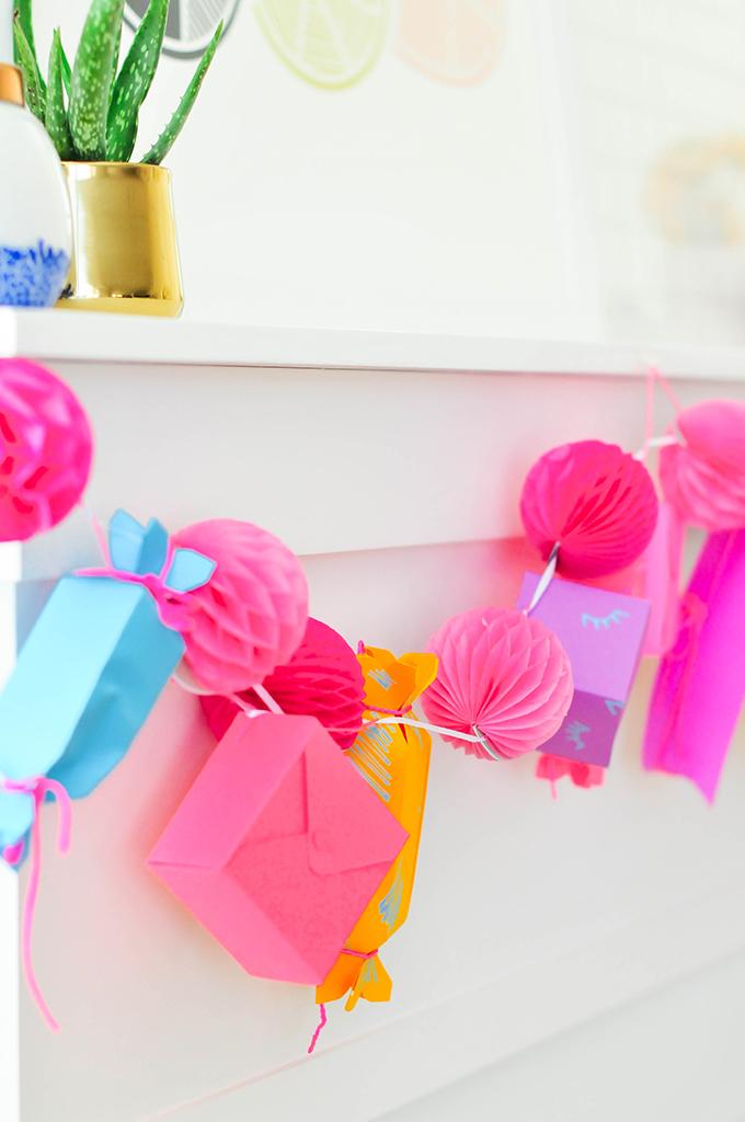 DIY Paper Gift Box Garland